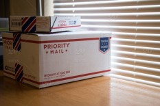 stock-photo-mail-usps-b6c9bc8b-e9b0-49f9-b838-d678468f5dc5